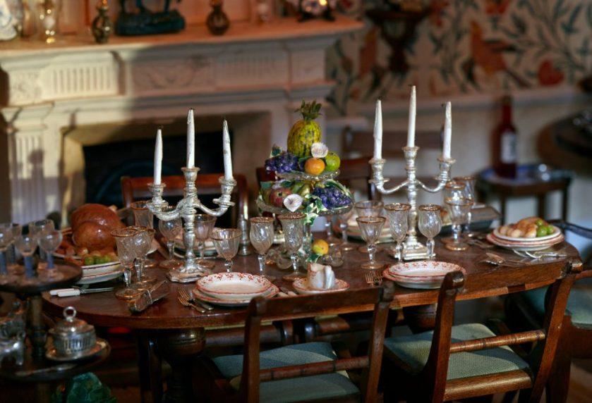 Beagle-Ho-09-dining-table-close-CH1-dh8-048-1024x698